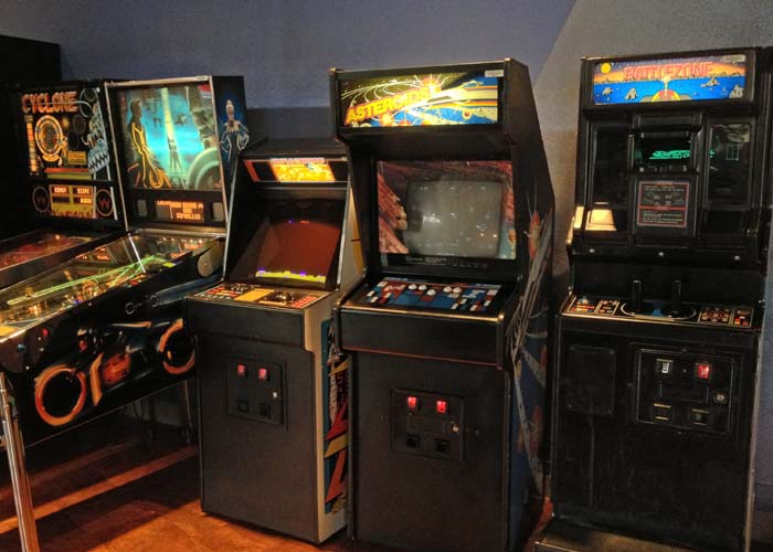 Pinball, Missile Command, Asteroids and Battlezone at the Starcade in Disneyland