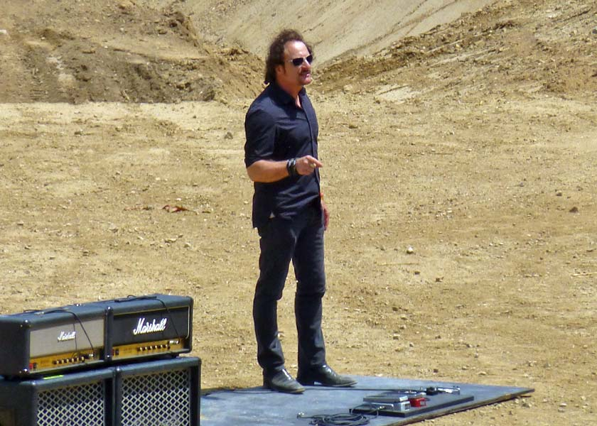 xfighters-20130511-kim-coates