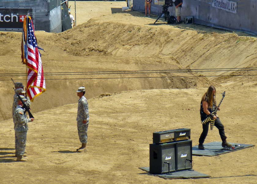 xfighters-national-anthem-20130511