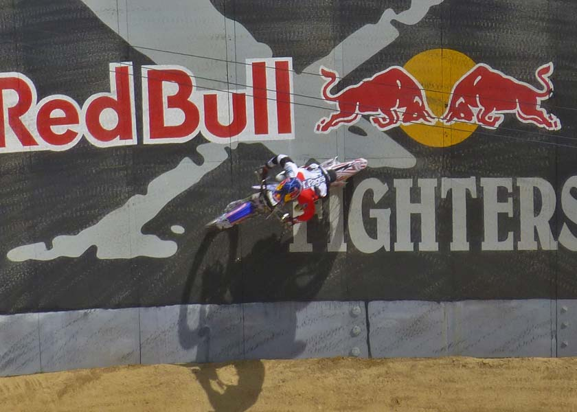 xfighters-redbull-berm-20130511-2