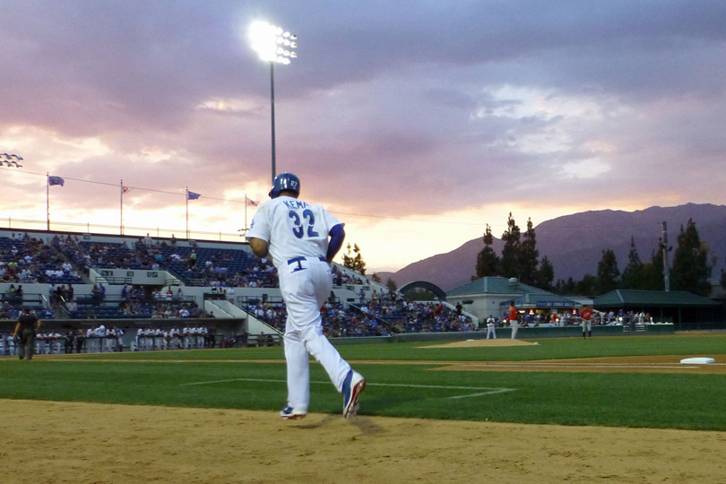 Matt Kemp running back to the dugout after grounding out - 08/29/13