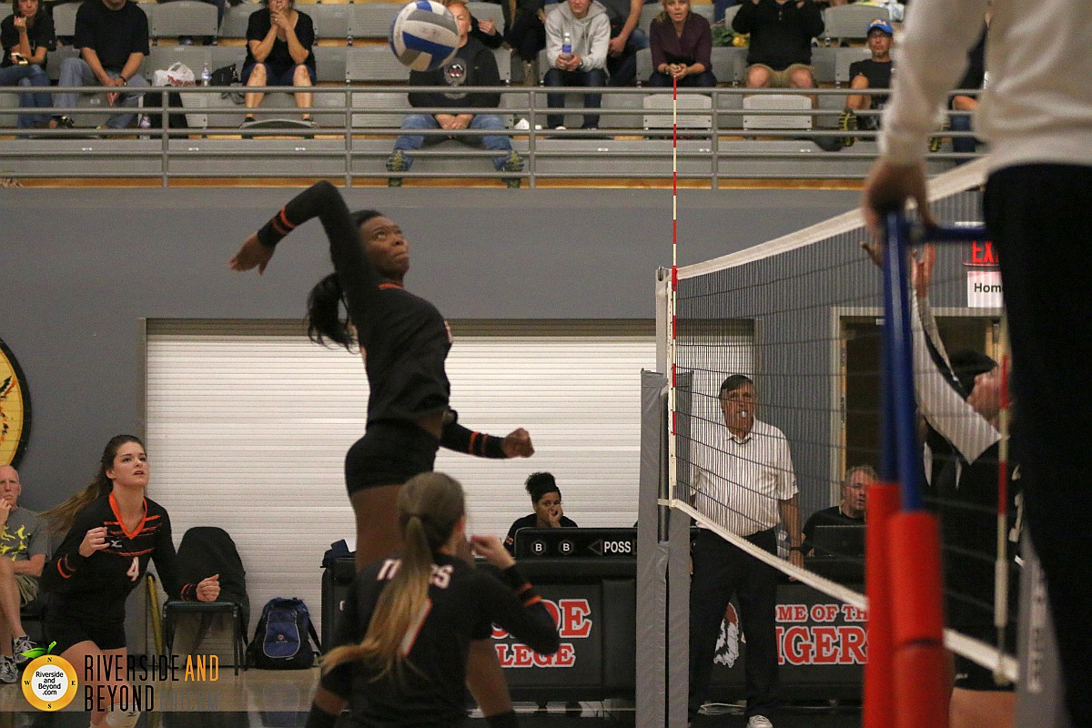 Women's volleyball: Chaffey at RCC 11/21/15