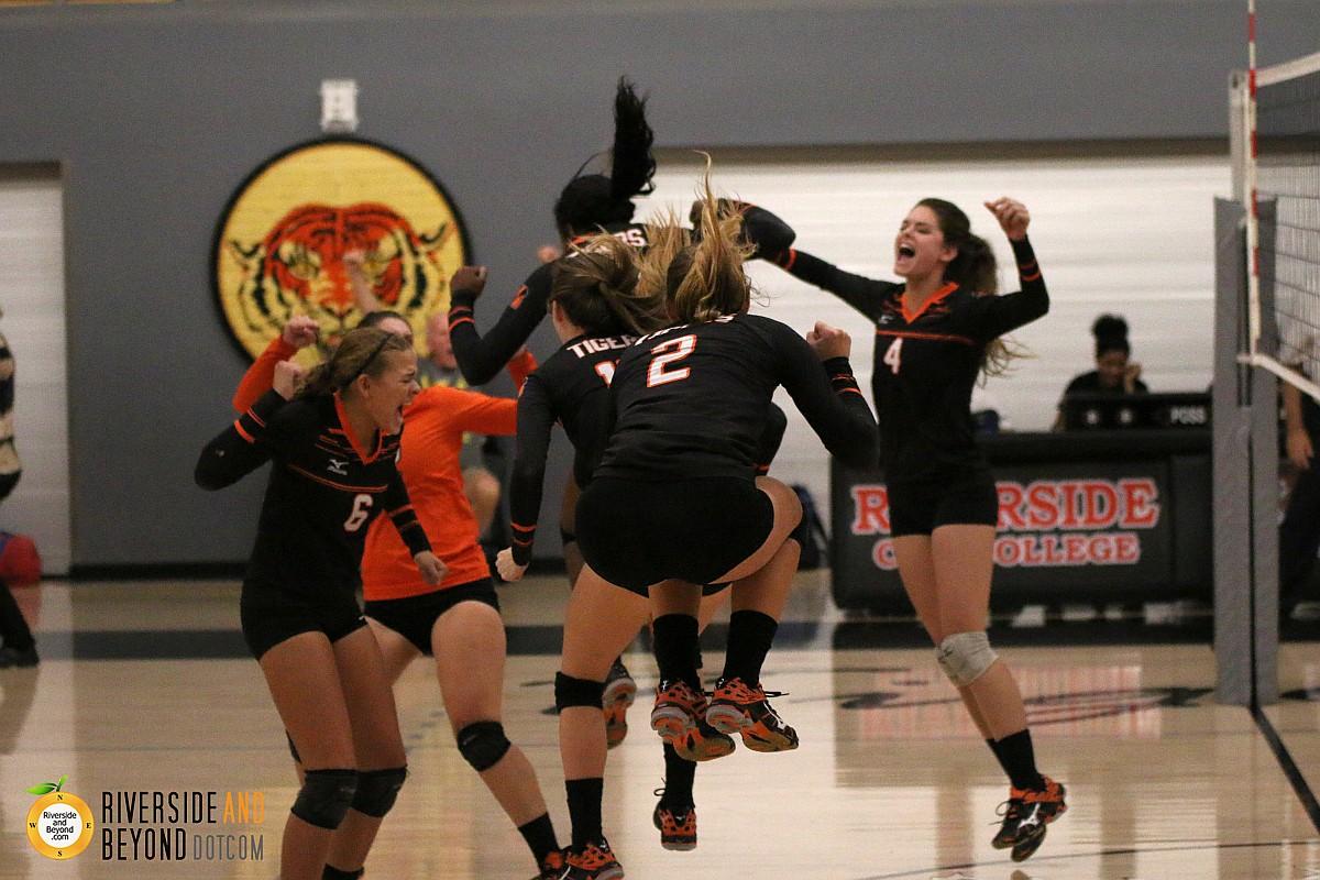 Women's volleyball: Chaffey at RCC 11/21/15